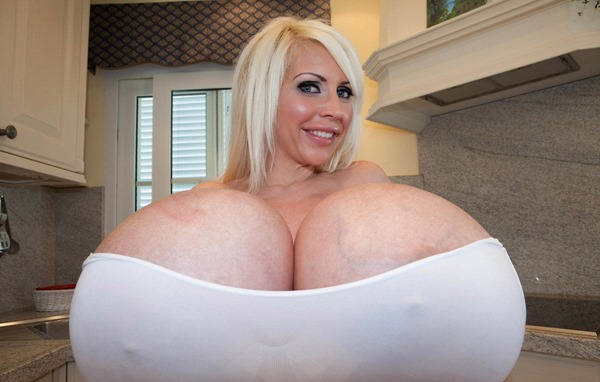 beshine-largest-breasts